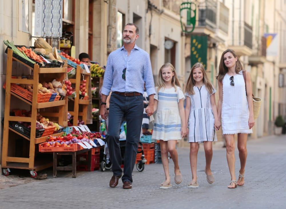 Король Испании с семьей на отдыхе