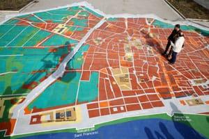 В Барселоне установили огромную интерактивную карту  города