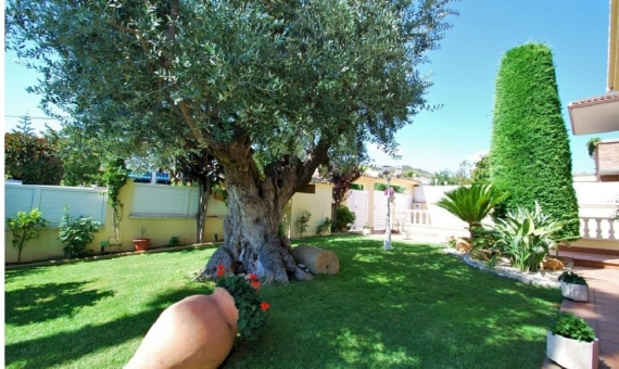 Wonderful luxury villa close to the beach on Costa Dorada | 2