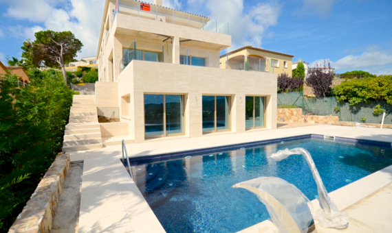 New Deluxe Villa in Torre Valentina | 10-screen-shot-20150831-at-114109png-2-570x340-png