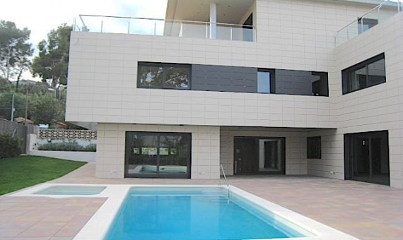 Newly built house for sale in Montmar, Castelldefels | 1
