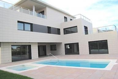 Совершенно новый дом в зоне Монтемар города Кастельдефельс