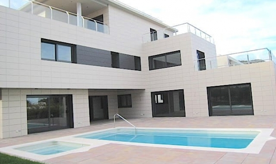 Newly built house for sale in Montmar, Castelldefels | 10057-11-570x340-jpg