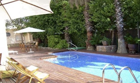 Chalet independiente cerca de la playa en la zona mas exclusiva de Sitges | 10242-2-570x340-jpg