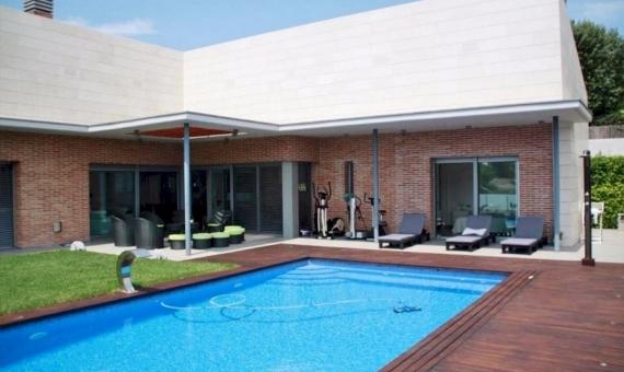 Дом 500 м2 с бассейном в Кастельдефельсе | 10342-19-570x340-jpg