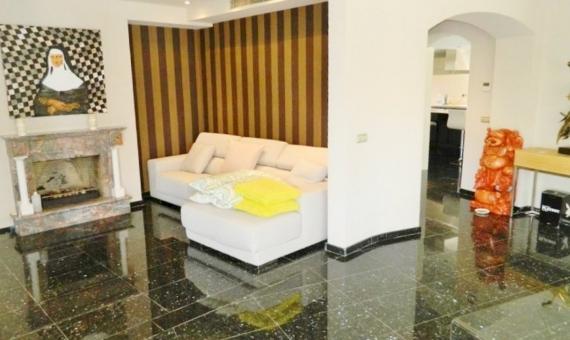 Casa de estilo moderno con dormitorios grandes a la venta en Sitges | 3