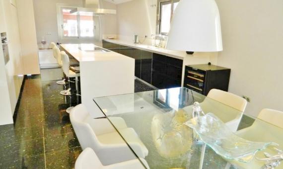 Casa de estilo moderno con dormitorios grandes a la venta en Sitges | 4