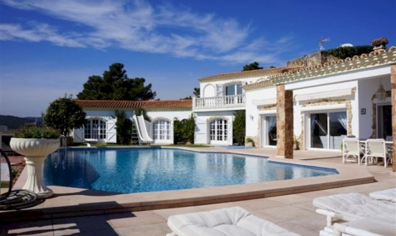 Luxury house with total area of 514 m2 in Costa Brava | 10715-0-570x340-jpg