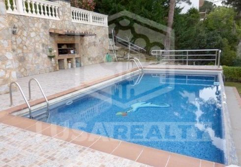 House with a plot 2140 m2 and sea views in Cabrils | 4