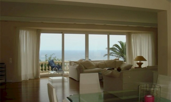 Detached house in classic style with panoramic sea views | 1