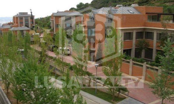 Fantásticas casas adosadas en la zona alta de Barcelona | 11140-2-570x340-jpg