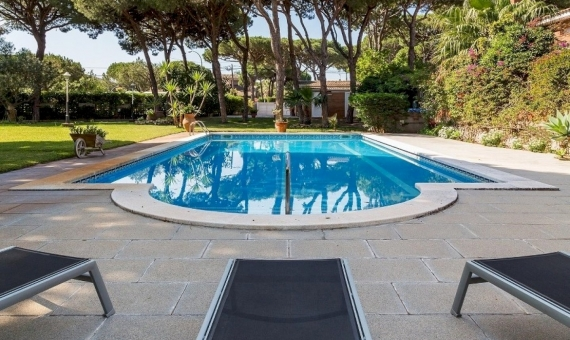 Large house very close to the beach in Castelldefels | 2