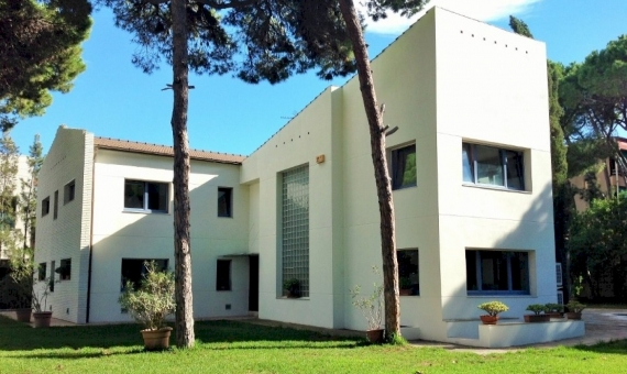 - House with two separate apartments in Castelldefels