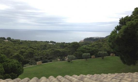 Masía con 2 viviendas y terreno de 45.000 m2 en Costa Brava | 4