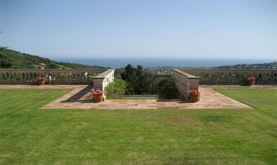 Luxury house  with panoramic sea views in Alella | 11872-3-570x340-jpg