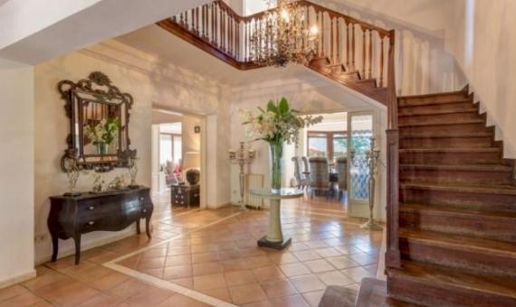 Luxury villa with big plot for sale in Gava Mar | 2