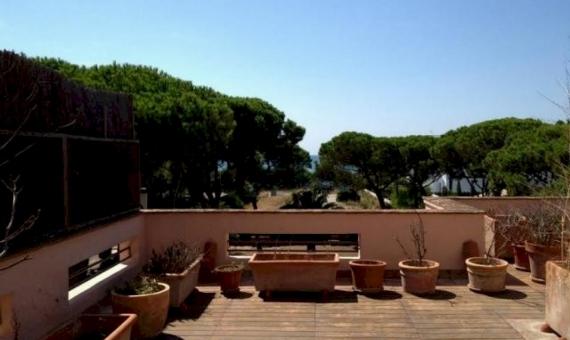 Luxury villa with big plot for sale in Gava Mar | 4