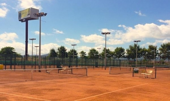 Tennis club with a large territory of more than 20,000 m2 | 4