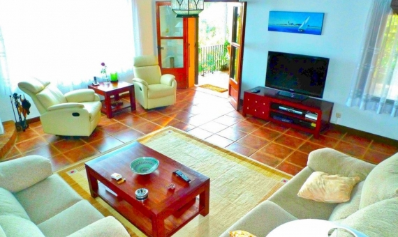 Catalan villa for summer rent 400 m away from the beach in Torre Valentina | 2