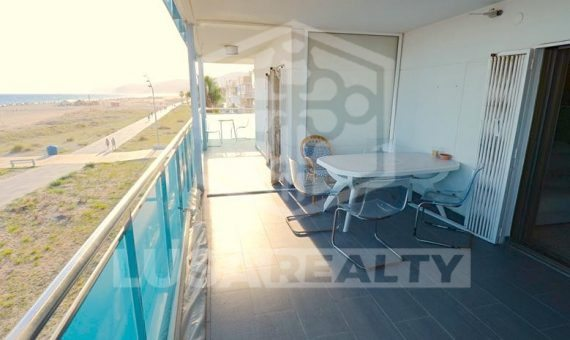 Terraced flat to repair with direct access to the beach in Castelldefels | 1
