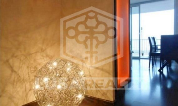 Renovated flat with terrace and direct access to the beach in Castelldefels | 1