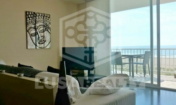 Renovated flat with terrace and direct access to the beach in Castelldefels | 2