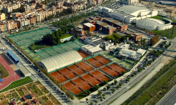Tennis club with a large territory of more than 20,000 m2 | 3-20170221-190937-1-570x340-jpg