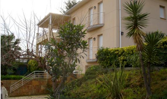 Вилла 260м2 с садом и бассейном в Бланесе | 1