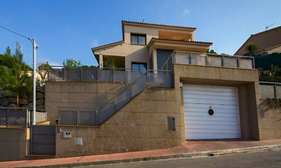 Family house on sale in LLoret de Mar Costa Brava | 4142-11-570x340-jpg