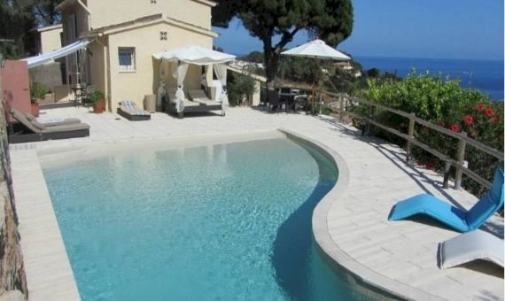 House with pool close to the sea in Tossa de Mar Costa Brava | 4395-16-570x340-jpg