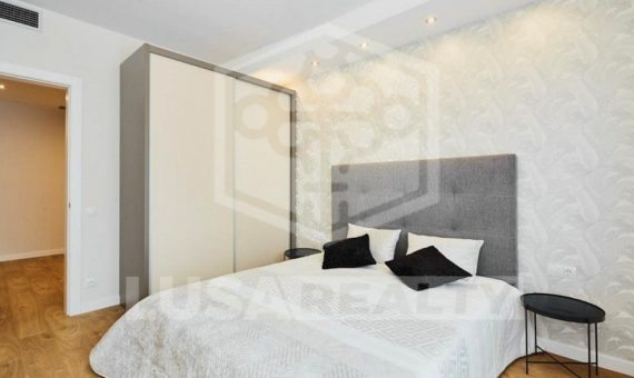 Designed flat close to the center in Eixample | 2