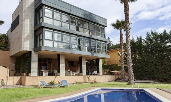 Detached house of 375 m2 with sea views in Vilasar de Dalt | 3