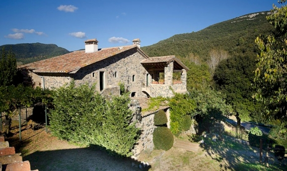 - Renovated Catalan farmhouse of 18th century