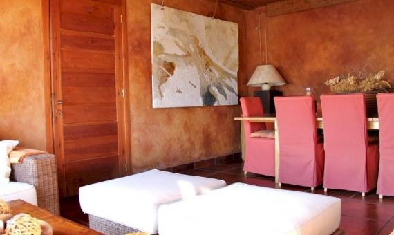 Дом с видами на горы на участке 3200 м2 в пригороде Барселоны | 1