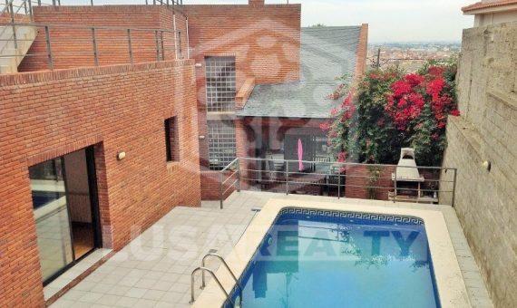2006  Venta de una casa con piscina en la zona Montemar de Castelldefels | 4