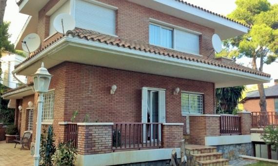 Preciosa casa en Montmar, Castelldefels | 6653-0-570x340-jpg