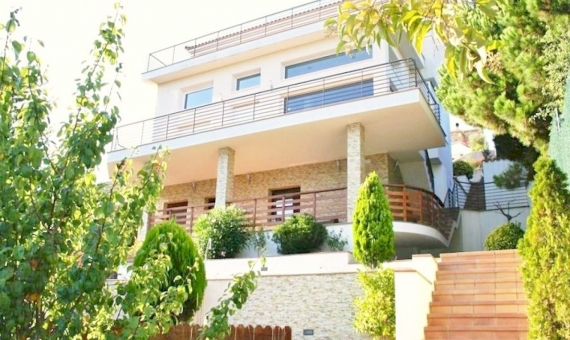 - Terraced villa with seaviews on sale in Lloret de Mar de Costa Brava