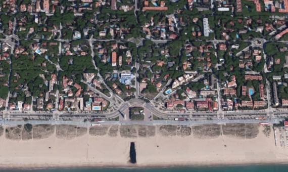 Plot of land very close to the beach in the nice green area of private houses in Castelldefels | 6834-1-570x340-jpg