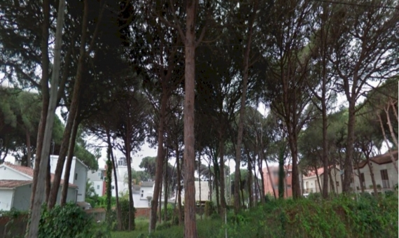 Plot of land very close to the beach in the nice green area of private houses in Castelldefels | 2
