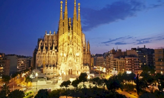 Hotel next to Sagrada Familia in Barcelona | 7291-6-570x340-jpg