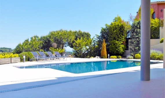 Moderno chalet en parcela de 2000 m2 en una zona residencial de prestigio en Sant Andreu de Llavaneres | 2