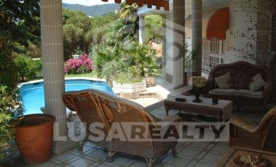3114  House of 650 m2 with pool in a green residential area of Cabrils | 4
