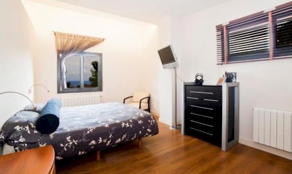 Современный дом с участком площадью 1150 м2 в Кабрера-де-Мар | 8666-0-570x340-jpg