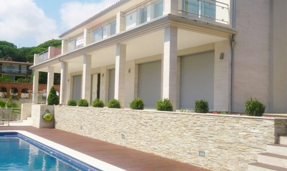 Villa with 5 bedrooms in Cabrils | 1