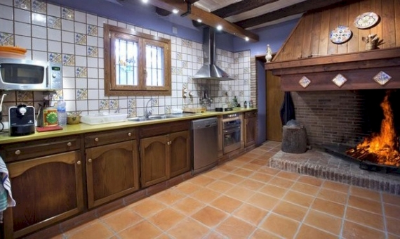 Country house and Castle  Costa Brava | 9182-5-570x340-jpg