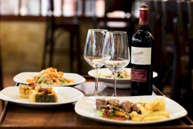 Ресторан средиземноморской кухни 500 м2 в районе Лес Кортс