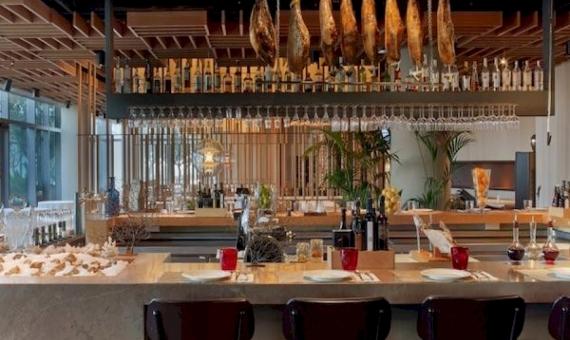 Ресторан с террасой и лицензией в Старом Городе | 0-screen-shot-20150831-at-190106png-2-570x340-png
