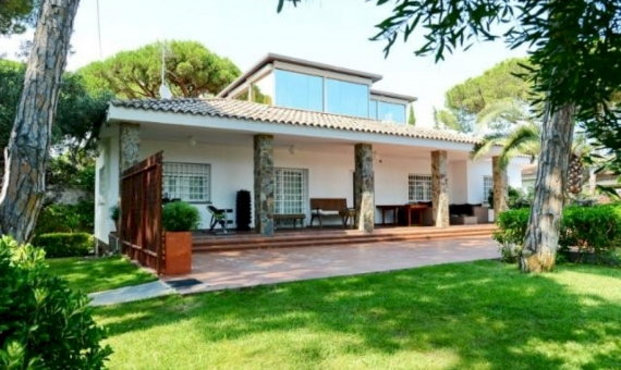 Beautiful house with a mini farm in Castelldefels | 2
