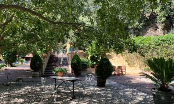 Старинное поместье площадью 2.500 м2 с разрешением на отель в пригороде Барселоны | 12439-15-1-570x340-jpg