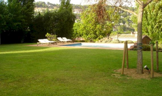 Вилла на участке 2000м2 с бассейном в Бланесе | 4